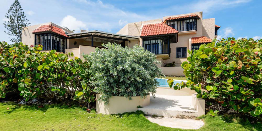 3-bed villa in Barbados with a 1-bed detached cottage for sale