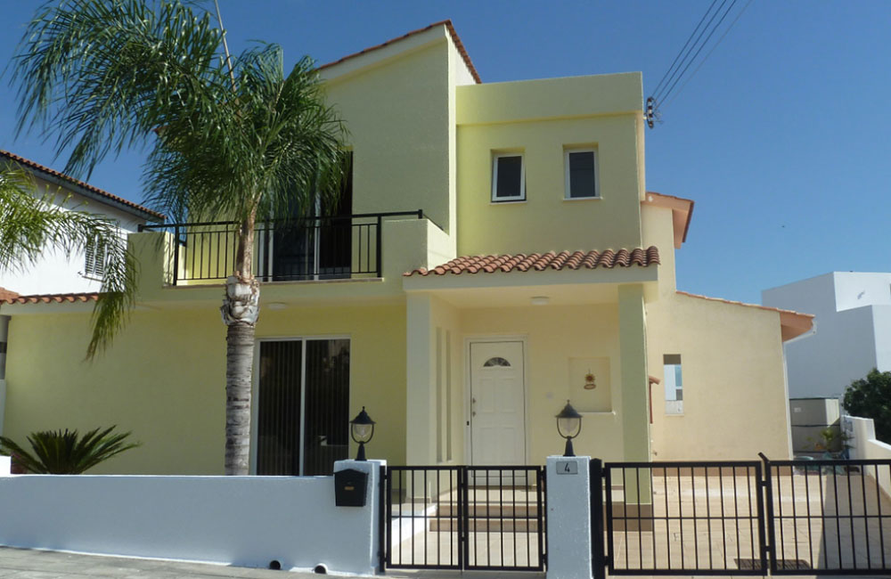 detached 3-bed villa in Konia for sale