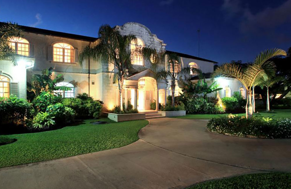 Luxury 5-Bed Villa In Sandy Lane Barbados for sale
